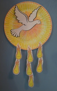 Gifts of the Holy Spirit ~ Paper Plate Craft {Spanish, too!} | Catholic Inspired ~ Arts, Crafts, and Activities!