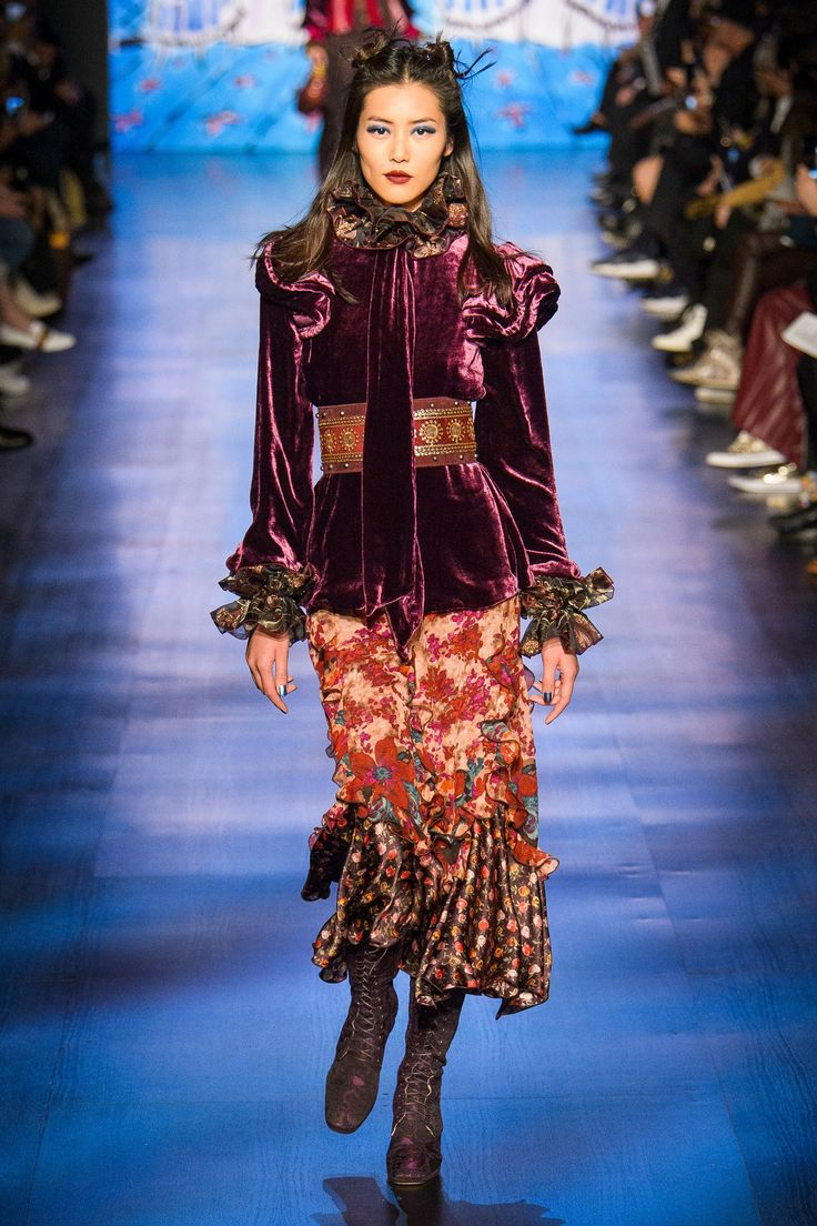 Anna Sui Fall 2017 Ready-to-Wear Fashion Show - Liu Wen