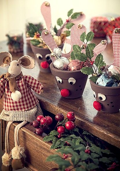 Os vasos divertidos Nazareth Bittencourt estão cheios de delícias - e enfeitam o móvel (Decoração de Natal | Christmas decor):
