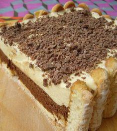Un tort clasic, dar cu adevărat delicios și ușor, numai bun pentru o ocazie specială sau pentru un răsfăț în familie. INGREDIENTE: -1-2 pachete de pișcoturi; -2 foi de gelatină -250 ml de smântână lichidă pentru frișcă; -50 gr de ciocolată – pntru decor. Pentru mousse de ciocolată: -3 albușuri; -20 gr de zahăr; -125 gr de ciocolată neagră; -2 gălbenușuri; -40 gr de unt; -40 gr de zahăr pudră. Pentru crema de vanilie: -250 ml de lapte integral; -3 gălbenușuri; -75 gr de zahăr; -½ păstaie de…