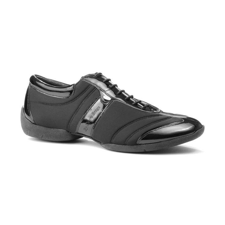 En fed dansesneakers fra PortDance udført i sort lycra og lak med sneakers-sål. Skoen hedder PD Pietro Braga Dansesneakers og er en fremragende dansesko hvad angår fit,  komfort og fleksibilitet sammen med cool design. Findes hos Nordic Dance Shoes: http://www.nordicdanceshoes.dk/portdance-pd-pietro-braga-sneaker-sole-danse-sneaker#utm_source=pin