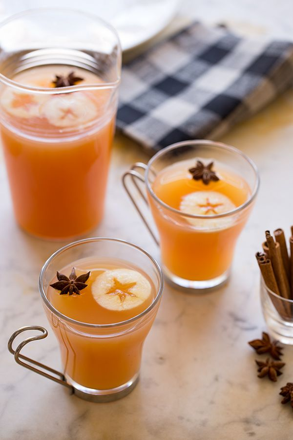 5 delicious apple cider cocktail recipes, here: Honeycrisp + Bourbon Spiced Cider