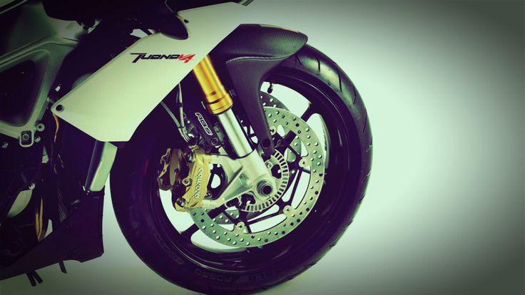 2014 Aprilia Tuono V4 R APRC ABS wheels 2014 Aprilia Tuono V4 R APRC ABS Revolutionise for Superbike