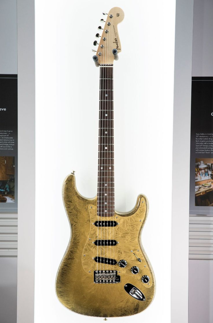 'Straturday' treat. Master builder Scott Buehl's Prestige Collection Frosted Duco Strat.