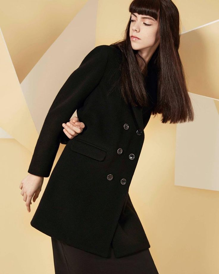 Elegant and warm, the perfect coat for the holidays!  #newcollection #coat #fashion #tremd #winter #shopping #holidays #look #black #cashmere #120percento #120cashmere #120 #design #womanswear #shoot #holiday #december #mood #sunday
