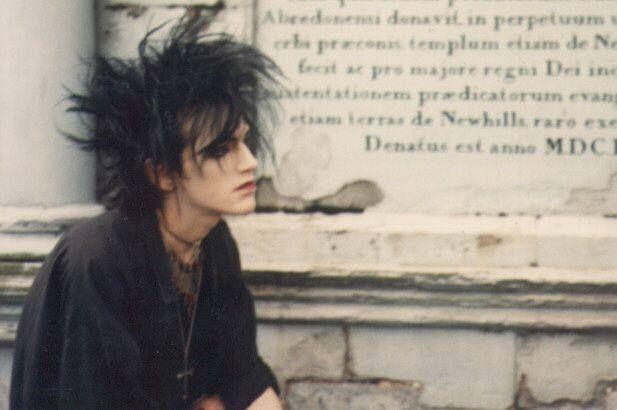 goth - love the hair!