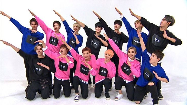 """In a recent episode of """"Weekly Idol,"""" super rookie male idol group SEVENTEEN made a guest appearance where they showed off their in-sync dancing skills to Super Junior's """"Sorry Sorry."""""""