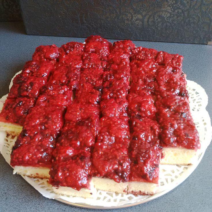 Fruity sponge cake