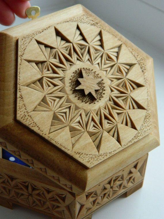 Cielo estrellado  caja de basswood tallado mano por FancyChip