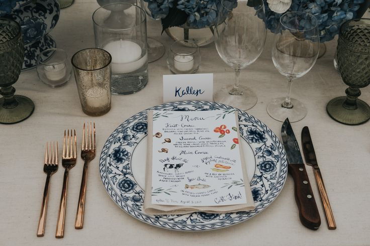 blue and coral wedding decor; PHOTOGRAPHY Joel + Justyna Bedford, destination wedding photographers