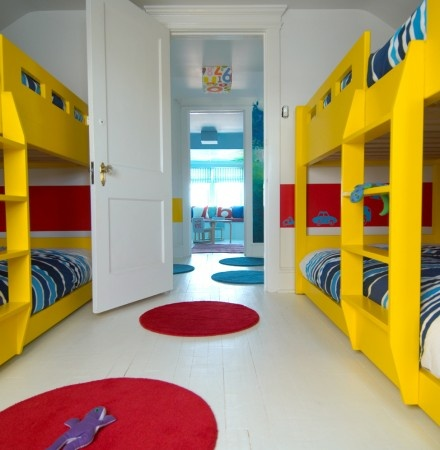 17 best images about beach house bunk rooms on pinterest for Bed built into floor