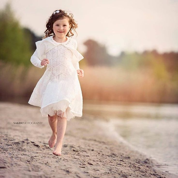 Communieshoot bij Lommelse Sahara  #lommelsesahara #lommel #communie #nikon #nikond750 #fotoshoot #fashion #fotografie #strand #zand #photography #beach #sand #water #plas #trees #sun #zon #sunlight #zonlicht #sunnydays #sunglow #girl #meisje #meisjeskleding #witkleedje #cute #sakinphotography