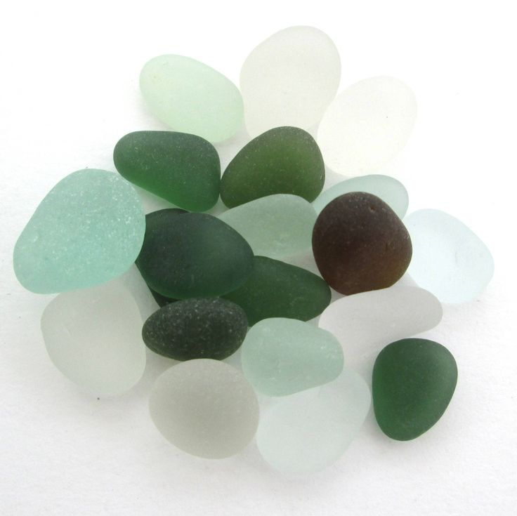 English beach glass, Seaham sea glass, Surf tumbled glass, eco craft supply, jewelry making supplies, 20 frosted pieces, green brown white by BlueBoxStudio on Etsy