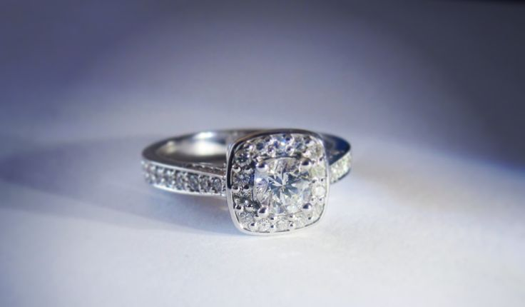 This beautiful diamond and white gold engagement ring left our workshop this week.