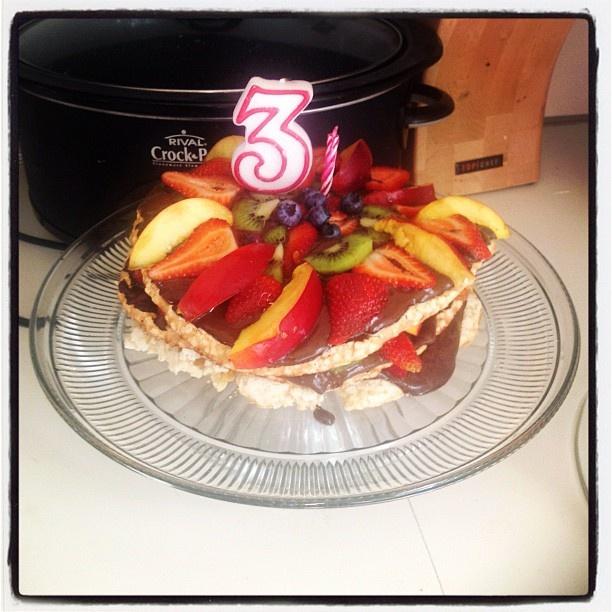 Summer Fruit Meringue Layer Cake gluten-free & dairy-free: Layered Cakes, Layer Cakes, Cakes Dairy Fre, Cakes Gluten Fre