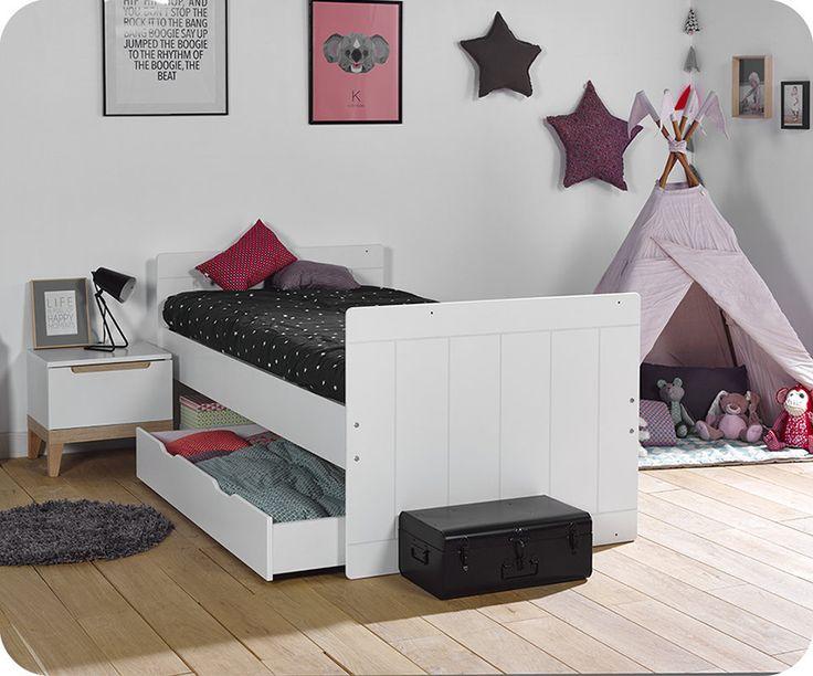 Der dritte Schritt das mitwachsende Babybett Plume ist schließlich das Kinderbett mit den Maßen 90x190cm. Sobald Ihr Baby ein großes Mädchen oder ein großer Junge geworden ist, können Sie Ihm im Handumdrehen ein richtiges Bett bieten, das zu Ihm passt. Im Lieferumfang befindet sich der komplette Umbausatz.