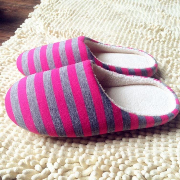 Dámské zateplené pantofle – pánská domácí obuv pro hosty- POŠTOVNÉ ZDARMA Na tento produkt se vztahuje nejen zajímavá sleva, ale také poštovné zdarma! Využij této výhodné nabídky a ušetři na poštovném, stejně jako to udělalo …