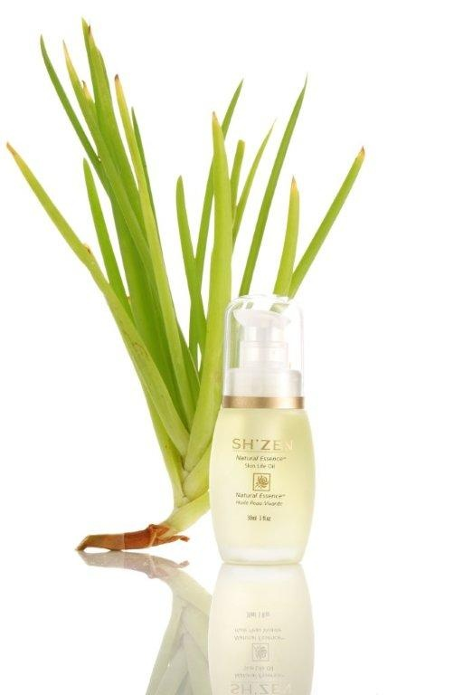 #ShZen Natural Essence Skin Life Oil, a 100% natural elixir of pure plant and essential oils, will purify, repair, rebalance and restore vital energy back into the skin.  http://www.shzen.co.za/face_natural_essence.php