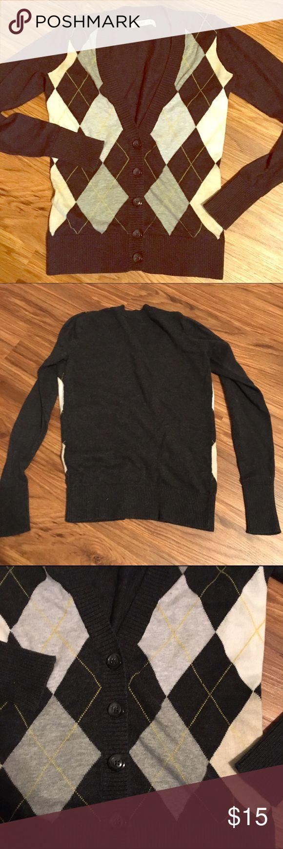 Dark grey argyle v-neck cardigan Argyle v-neck cardigan in dark grey, white, light grey with yellow accent. Still in great condition! Old Navy Sweaters Cardigans