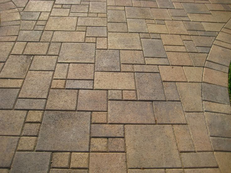 Superior Ashlar Paver Pattern With Curved Edge