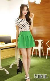 Resultado de imagen para faldas cortas con blusas