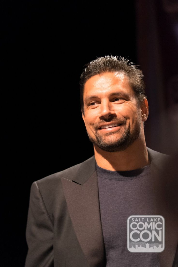 Laurence olivier spartacus quotes - Portrait Of Manu Bennett At Salt Lake Comic Con 2014