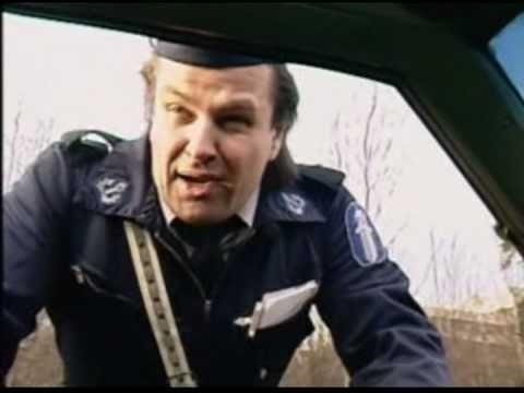 Joviaali poliisi