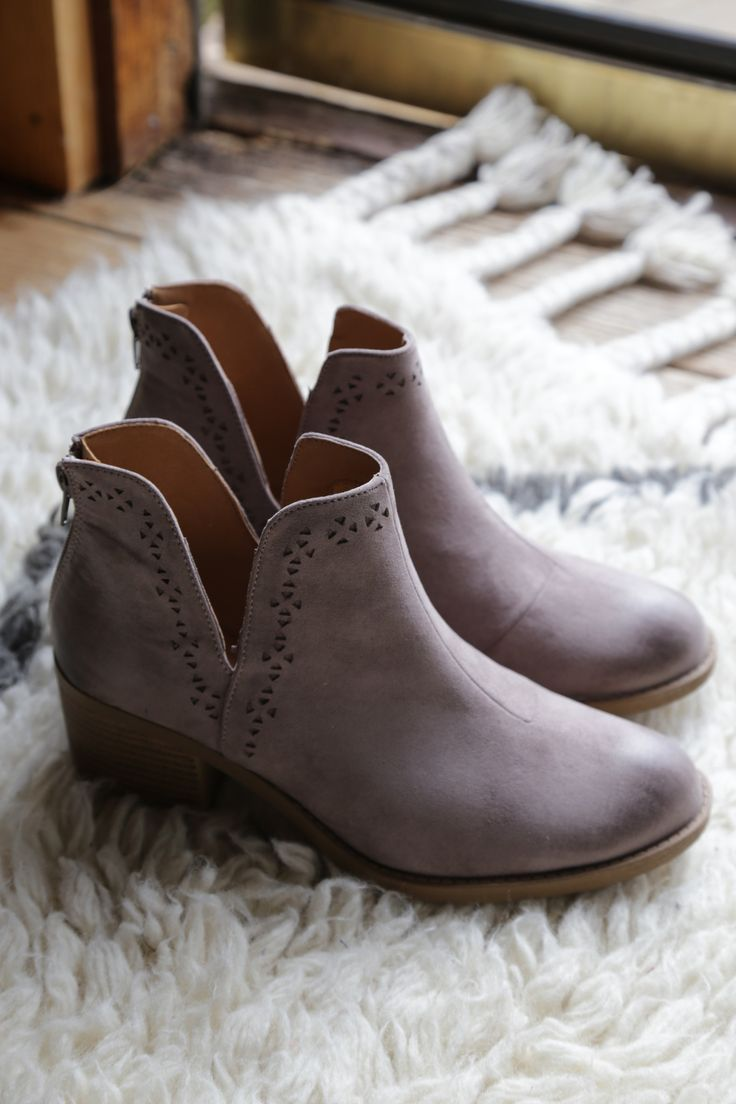 Philly Cutout Boot, Taupe