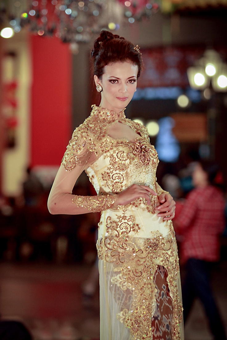 KEBAYA - INDONESIA FASHION