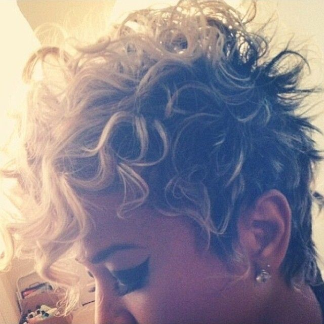 Curls!! ✂️ via @salonpk---------- omg a curly pixie! <3 <3 <3 sometimes I wish I could pull this off.