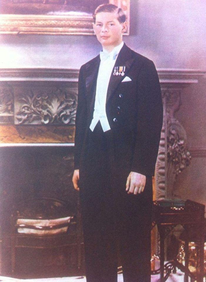 Majestatea Sa Regele Mihai al României în 1938. Românii își cer Monarhia înapoi! http://www.facebook.com/despremonarhie / HM King Michael of Romania in 1936. Romanians ask for their Monarchy back! https://www.facebook.com/despremonarhie