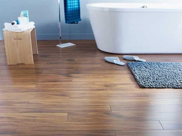 parquet en bambou pour la touche dco de la salle de bain moderne parfait mari