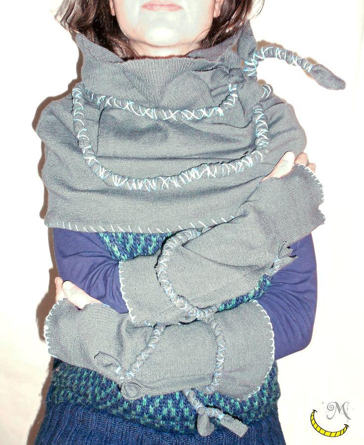 http://www.alittlemarket.it/sciarpe-foulard-cravatte/it_grey_blue_mantella_di_lana_-12424979.html  http://it.dawanda.com/product/75128691-GReYBLuE-Guanti  mantella cappuccio sciarpa collo guanti lana gloves hat scarf tessuto riciclo riuso reuse recycle reciclado fatto a mano handmade made in italy artigianato italiano Malice's Craftland