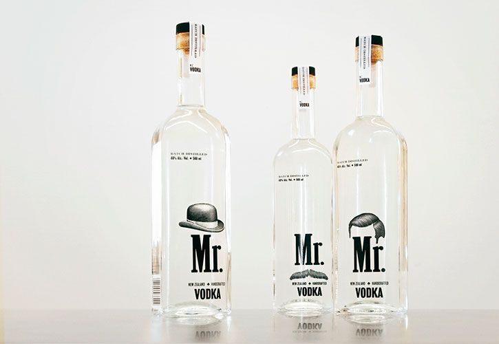Diseño de botella de vodka por Trevor Powell, illustrator.