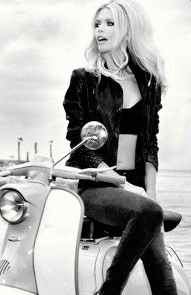 Inspírate: peinado cardado años 60  - Claudia Schiffer