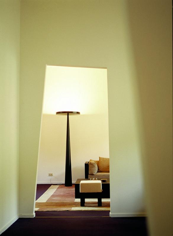 Oltre 1000 idee su lampade da parete su pinterest illuminazione da letto illuminazione e - Lampade da parete moderne ...