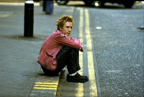 'No Fun' Johnny Rotten 1976, London photo by Wolfgang Heilemann