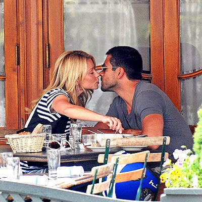 Kelly Rippa and Mark Consuelos - Married 18 years! via People