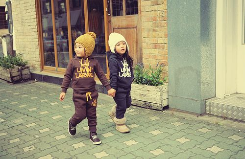 soooo cute!Livin Large, Asian Kids, Kids Fashion, Inspiration Pictures, Adorable, Future Kids, Asian Baby, Girls Outfit, Holding Hands