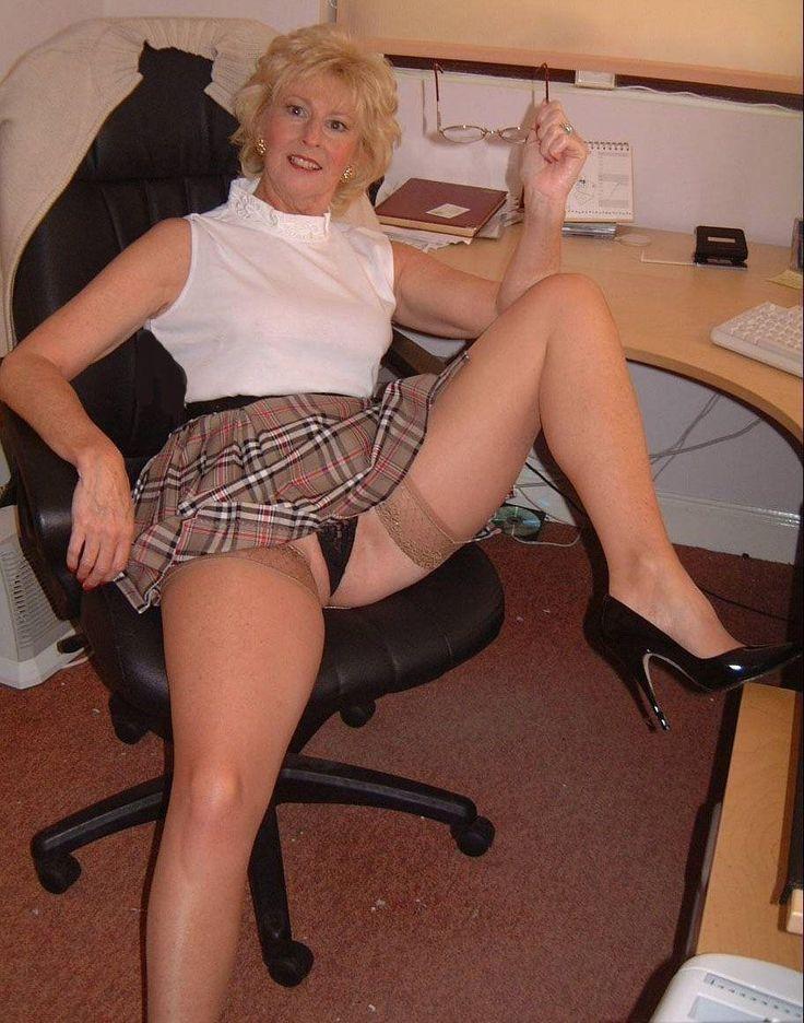 Gilf Upskirt  With Maturity Comes   Sexy -2902