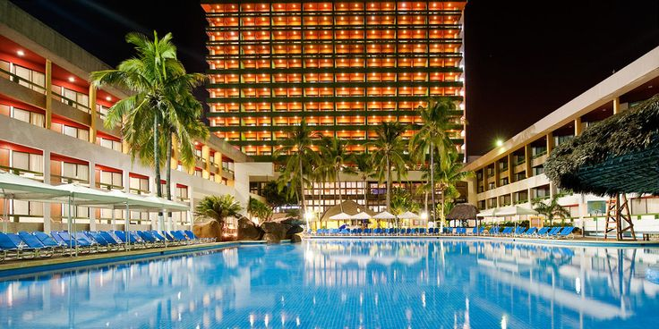 El Cid Castilla Beach in Mazatlan is just 4 miles from the downtown district! #gozengo #vacations #mexico