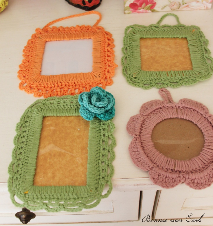 Living life creatively...: Crochet Photo Frames (Tutorial)