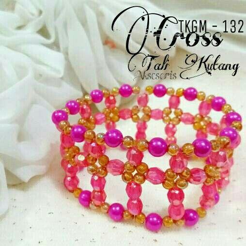 https://www.tokopedia.com/talikutang/gelang-wanita-cantik-handmade-tkgm-132-cross-pink