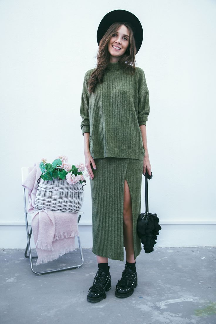 Achers's olive color high waist cotton skirt, green midi, trendy skirt