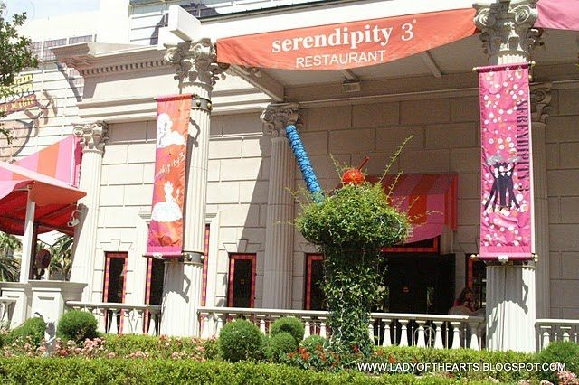 If I do nothing else when in Vegas, I MUST have a $9 frosty (frozen hot chocolate) from Serendipity!