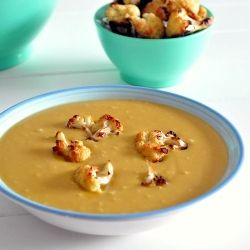 Curried lentil soup with cauliflower croutons