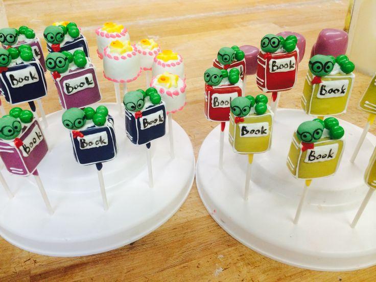 Book worm cakepops