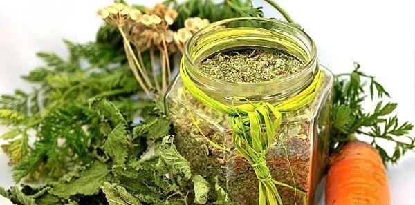 Groentebouillonpoeder zelf maken van verse groenten.