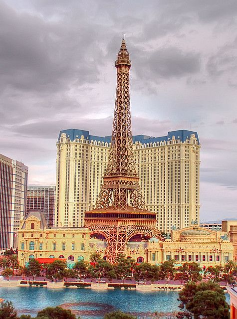 25 best ideas about paris las vegas on pinterest paris for Hotel couple paris