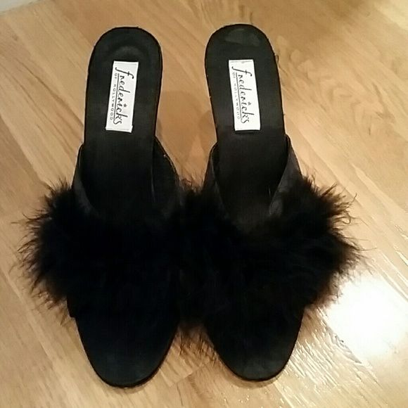 FREDERICKS OF HOLLYWOOD MARABOU SLIPPERS These are awesome shoes, never worn. They are just too big on me otherwise I would keep them. Enjoy! Frederick's of Hollywood Shoes Slippers